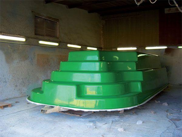 Fabricant piscine coque fabrication d 39 une piscine coque for Piscine coque polyester hors sol