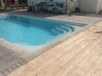 Piscine coque gris clair - Photo piscine à coque