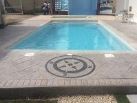 Piscine coque moderne de 8 par 4 - Photo piscine à coque