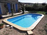 Escalier d'une piscine en polyester - Photo piscine à coque