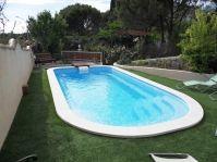 Piscine polyester avec bloc filtrant - Photo piscine à coque