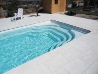 Piscine modèrne à angle droit -  - piscine coque polyester