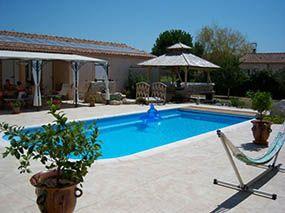 Aménagement d'une piscine d'extérieure et terrasse -  - piscine coque polyester