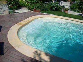 Piscine polyester, balnéo  -  - piscine coque polyester