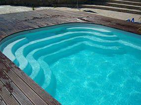 Piscine polyester, escalier piscine -  - piscine coque polyester