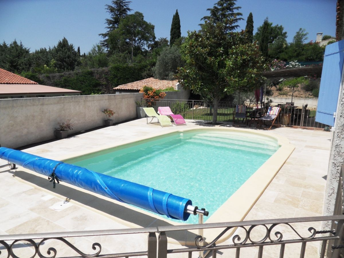 Am nagement d 39 une piscine en travertin piscine coque avec travertin - Longueur d une piscine ...