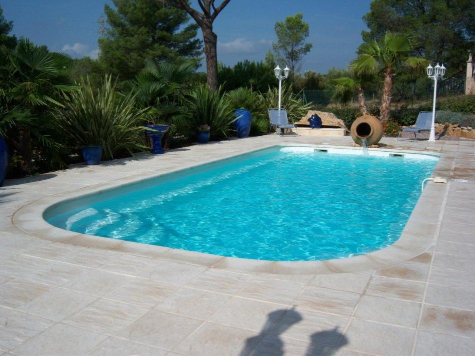 Piscine polyester, fontaine